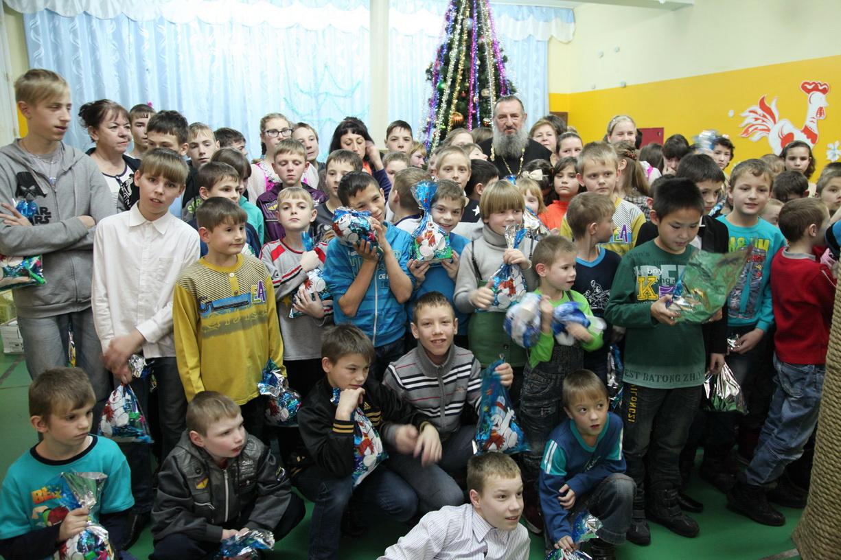 Какой нарядный детский сад это мамин праздник у ребят